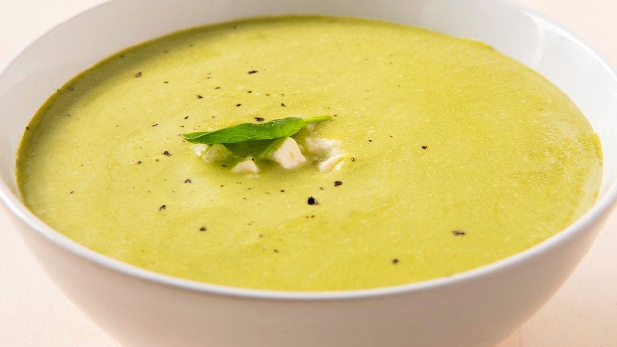 Spinaziesoep met kikkererwten en geitenkaas